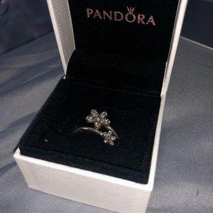 Pandora Dazzling Dasies Ring